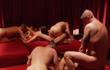 Show with swingers